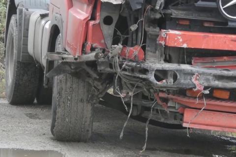 ArgolidaPortal.gr Ναύπλιο: ΙΧ συγκρούστηκε με φορτηγό