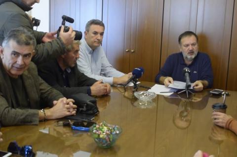 ArgolidaPortal.gr Ναύπλιο - Σύσκεψη Χειβιδόπουλου - αγροτών για την κηλίδωση των μανταρινιών