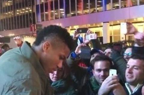 Greek fans mob Giannis Antetokounmpo outside MSG