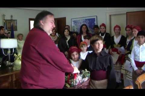 ArgolidaPortal.gr Ναύπλιο-Η Ένωση Κρητών έψαλλε τα Πρωτοχρονιάτικα κάλαντα στο Χειβιδόπουλο