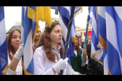 ArgolidaPortal.gr ΑΡΓΟΣ-Κατάθεση στεφάνων για την 28η Οκτωβρίου από μαθητές