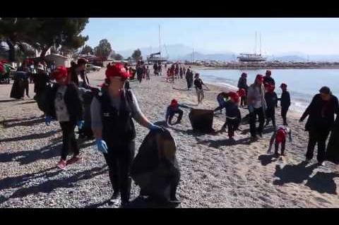 ArgolidaPortal.gr 'Αργος- Let's Do It Greece καθαρισμός παραλιών της Νέα Κίου και Τημενίου