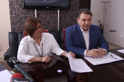 ArgolidaPortal.gr 'Αργος - Δήμαρχος Καμπόσος υπογραφή Κολυμβητηρίου