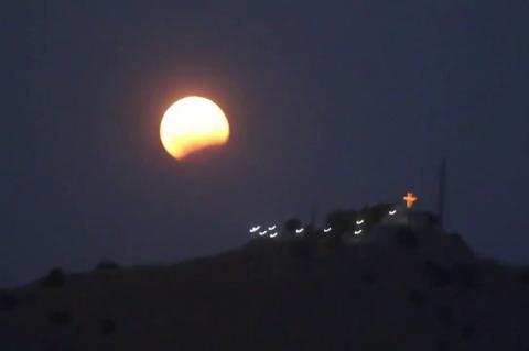ArgolidaPortal.gr Ναύπλιο-Πανσέληνος και έκλειψη Σελήνης στην Αργολίδα