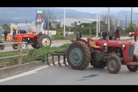 ArgolidaPortal.gr Αργος Δίωρος αποκλεισμός στον κόμβο Ινάχου από τους Αγρότες