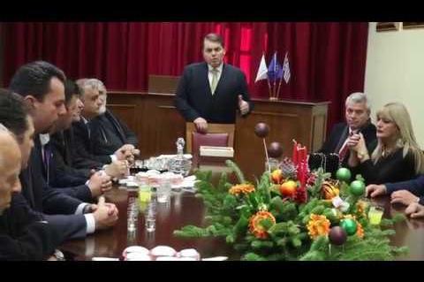ArgolidaPortal.gr Καμπόσος Κοπή πίτας και πρωτοχρονιάτικες ευχές στο δημαρχείο του Άργους