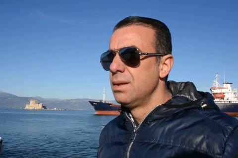 ArgolidaPortal.gr Πλοίο προσάραξε στο λιμάνι του Ναυπλίου