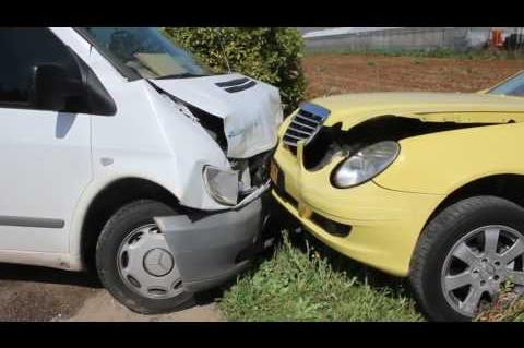 ArgolidaPortal.gr Ναύπλιο-Τροχαίο με τρεις τραυματίες στον επαρχιακό δρόμο Ανυφίου-Αγ Τριάδας